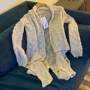 NEW✨ANGELA MARA✨Knit Oversized Pearl Grey Sweater